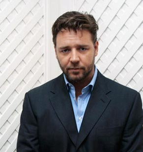 russell-crowe-rugged